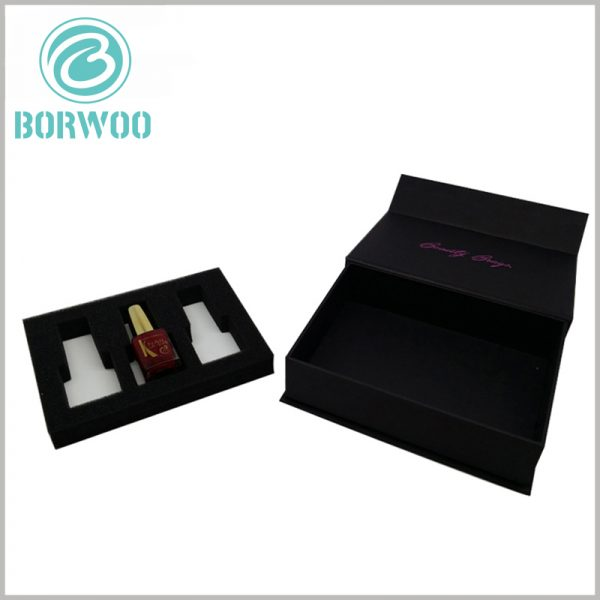 Black cardboard nail polish packaging for 3 bottles. The inside of the customized packaging is to use EVA to fix the nail polish bottle, allowing the product to be displayed to consumers in a specific form.