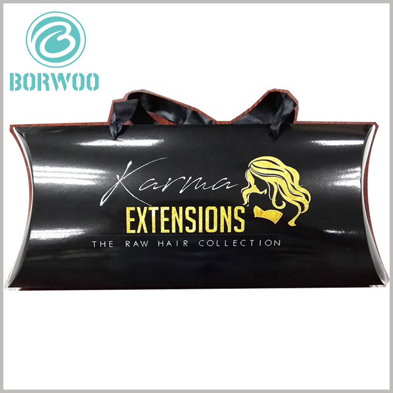 Black pillow boxes for hair extensions packaging. Through the printed content on the black packaging box, you can easily determine the type of product inside the packaging.