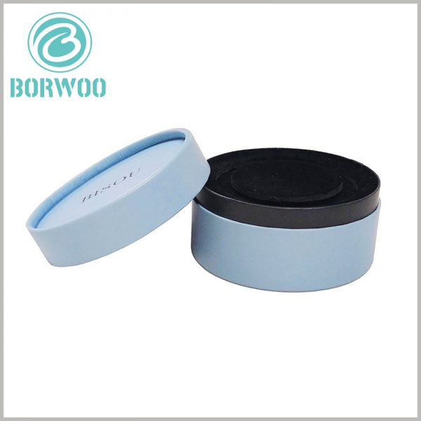 Blue jewelry gift boxes for necklaces. The inner paper tube packaging is black, and the outer paper tube uses blue art paper as laminated paper, which improves the attractiveness of the packaging.