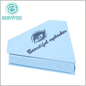 blue diamond shape eyelash packaging with logo. The blue packaging box has a bright visual sense, which is helpful to improve the artistry and attractiveness of the packaging.