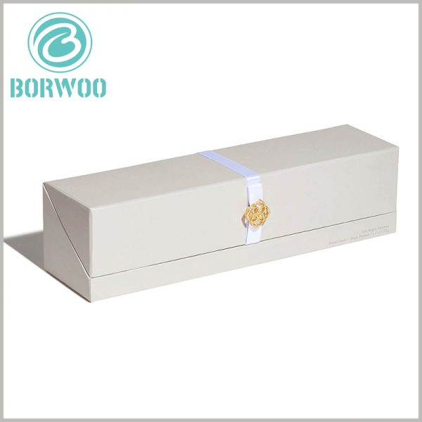 cardboard candle boxes packaging wholesale. The use of decorative printing and craftsmanship on customized packaging is very helpful to improve the aesthetics of the packaging.