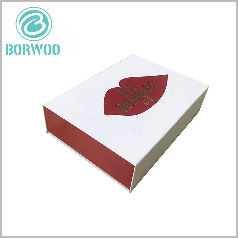 creative lipstick gift boxes with bronzing printing. The inner side of the paper cover is red, and the brand name formed by bronzing printing can once again allow customers to deepen the brand impression.