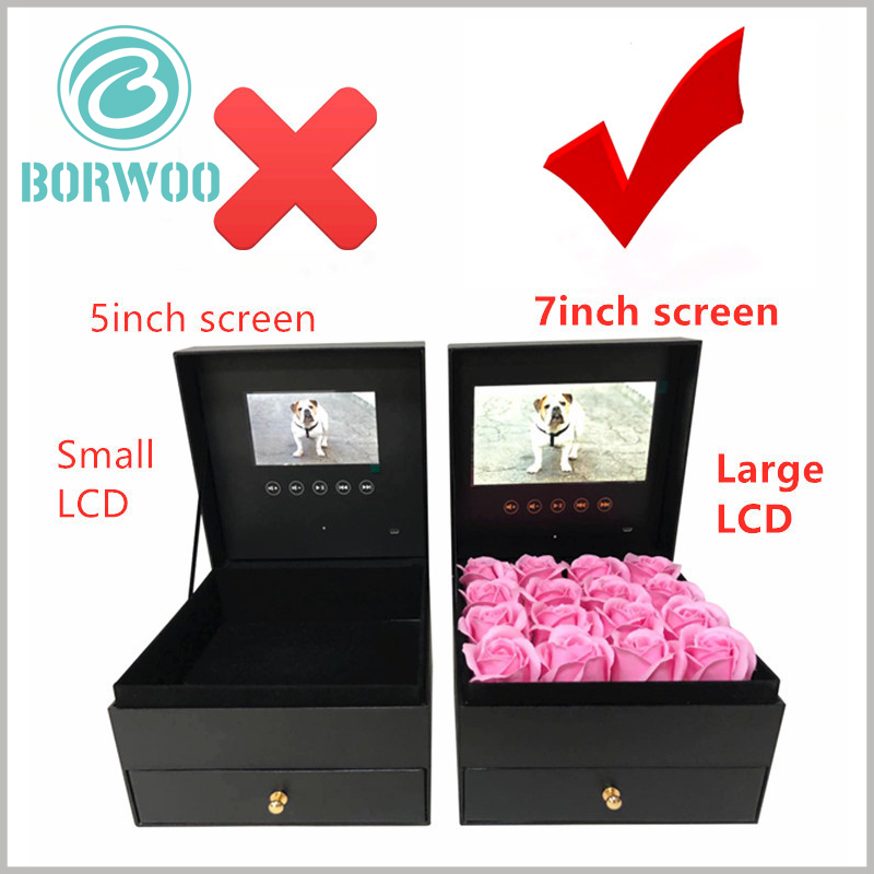 flower packaging boxes with video screens wholesale. The 7-inch video screen has a better visual angle than the 5-inch video screen, which enhances the experience of flower packaging.