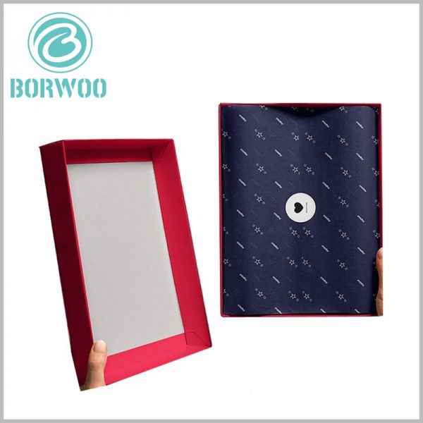 high-heeled shoes packaging box with logo. The customized large packaging boxes use red as the background, which is closely related to product characteristics and brand positioning.