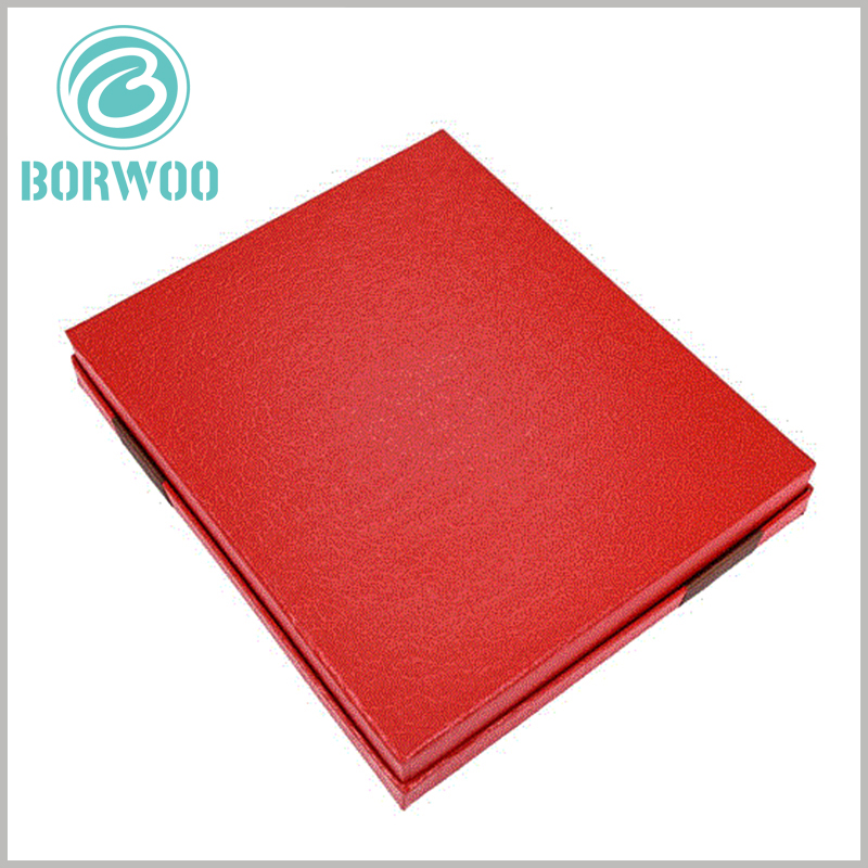 large gift boxes packaging wholesale. The red embossed art paper is used as laminated paper, and the chocolate packaging boxes look exquisite and artistic.