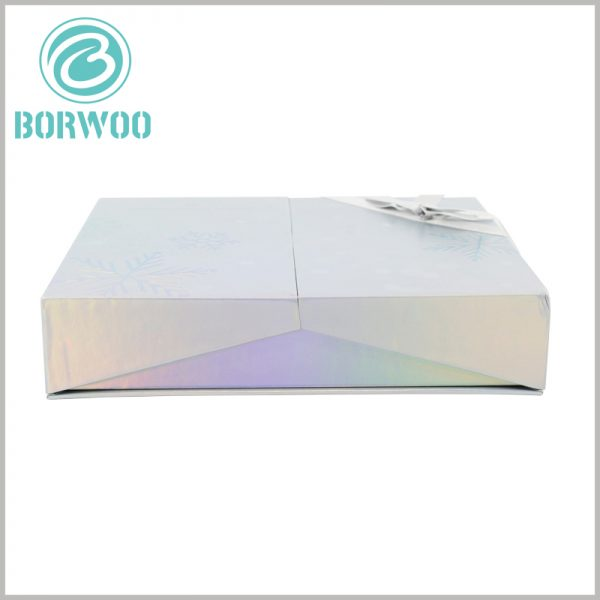 luxury cosmetic gift boxes packaging. The pattern formed by emboss printing increases the artistry and attractiveness of the cosmetic packaging box and impresses customers.