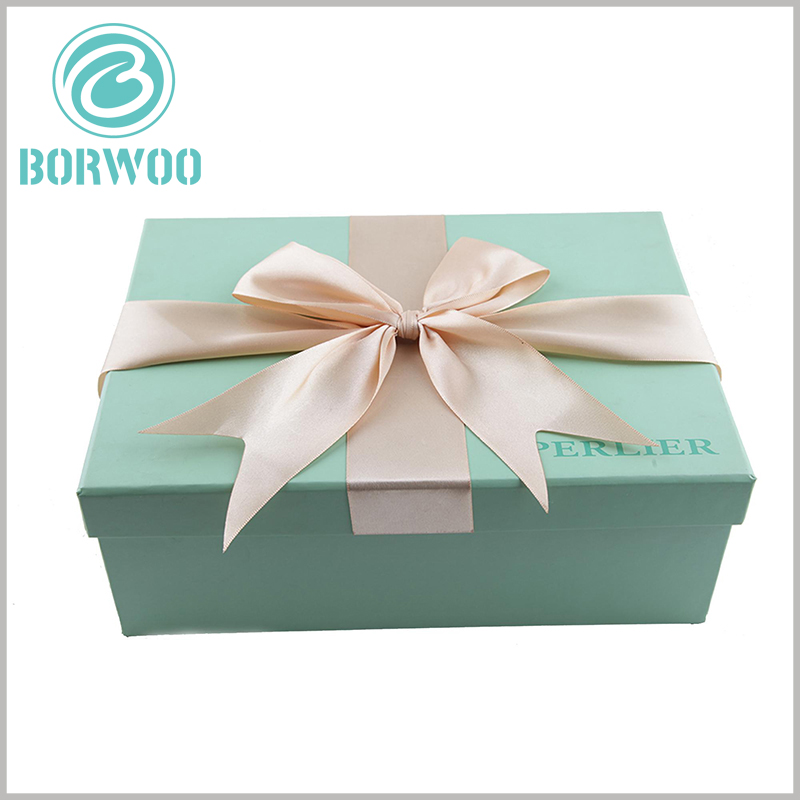 small cardboard gift boxes with lids wholesale. Customized packaging uses gift bows as decoration, which increases the value of the product and makes the gift recipients feel valued.