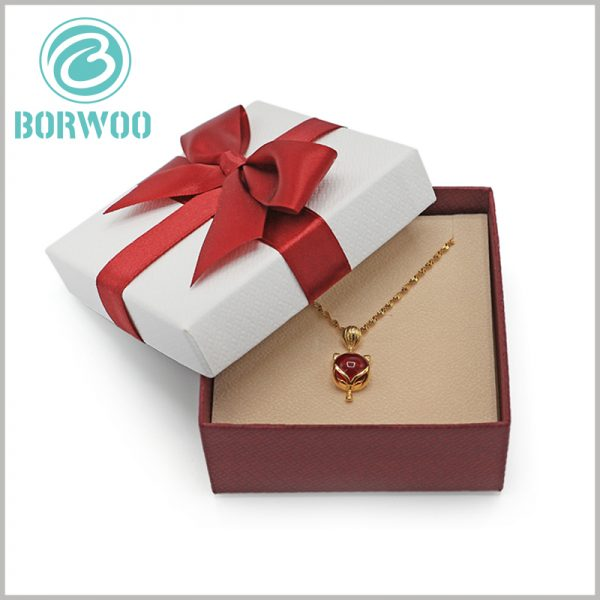 small necklace gift boxes with bows. Customized jewellery gift boxes can meet product marketing needs and perfectly match the products.