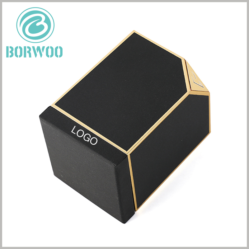 small perfume gift boxes with bronzing printed. The side edges of the black cardboard perfume packaging boxes use gold cardboard as decoration, and the packaging has a good visual experience.