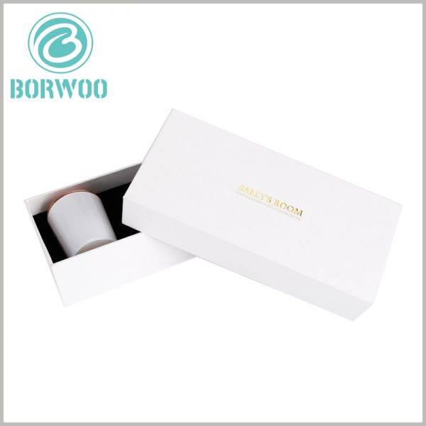 white cardboard candle box packaging with logo. Custom cardboard boxes with lids, bronzing printed brand name on the top of the paper lid, is conducive to brand building.